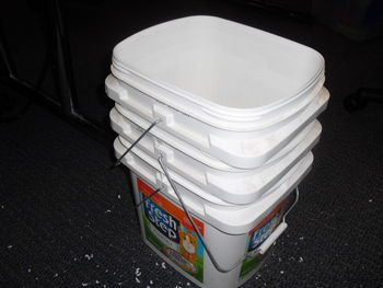 Wormbin containers5.JPG