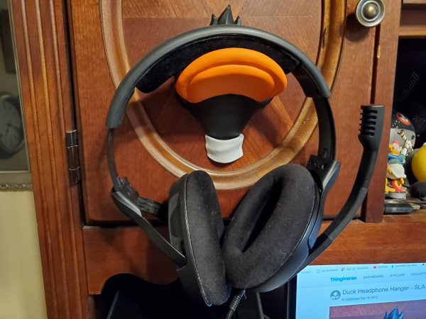 dondomzalski Daffy Duck Inspired 3D Printed Headphone Hanger 2